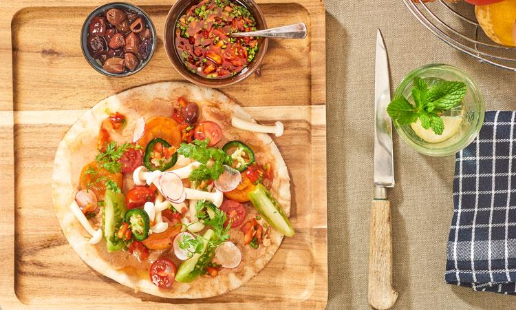 Vega Paté op een pizzabodem